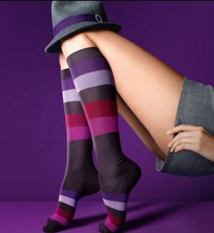 Strüpmpfe und warme Socken in frechen Trendfarben
