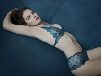dessous-lingerie-bestickt-blau